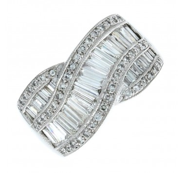 Pre-owned 18ct White Gold Diamond Dress Ring 1.36ct